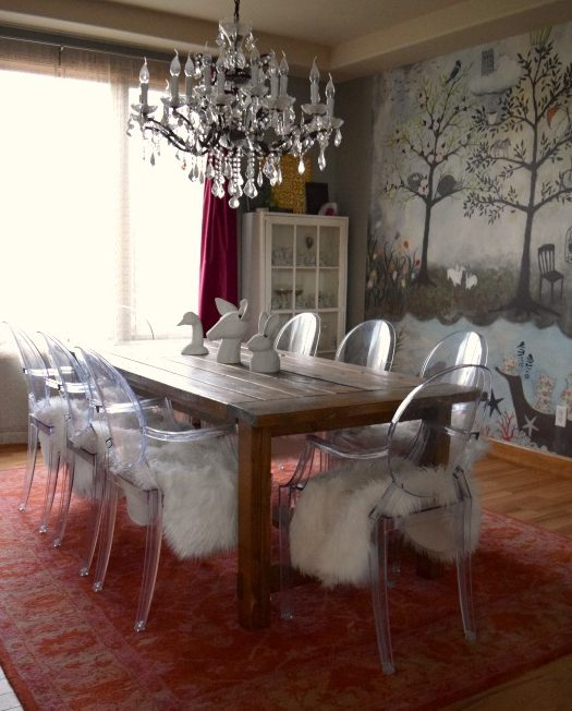 accent walls, dining room, home decor, interior design, gray, farmhouse table, ghost chairs, chandelier